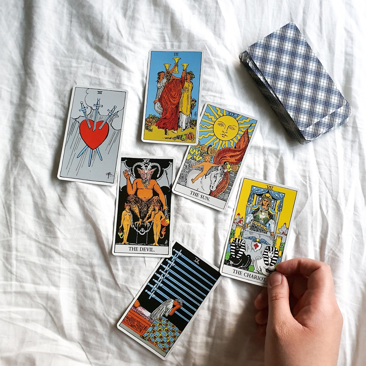 Do Not Read Tarot for Yourself: Myth Busting No.5